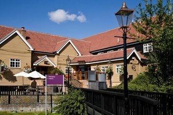 Premier Inn Basildon (East Mayne) Hotel