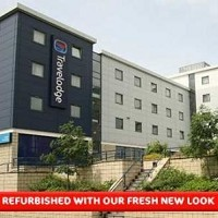 Travelodge London Kew Bridge Hotel