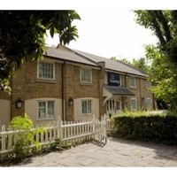 Travelodge London Snaresbrook Hotel