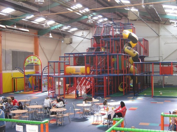 Funaticz indoor play centre reviews write and view for Inside play areas