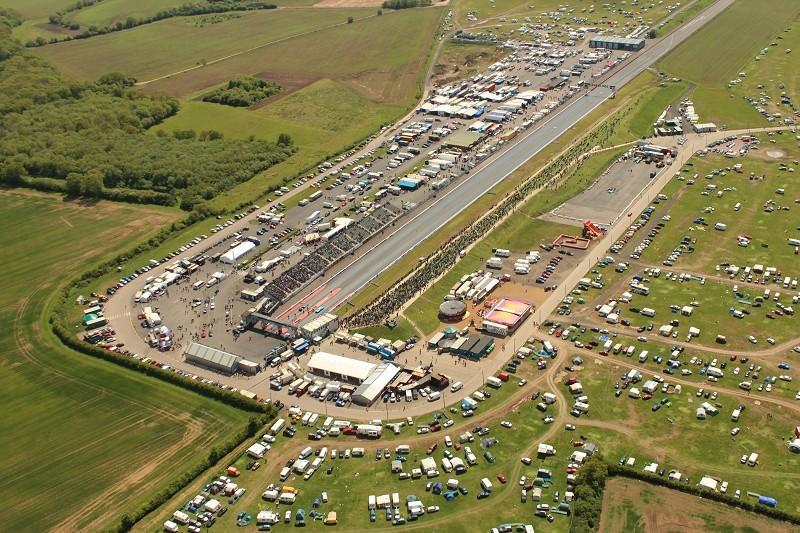 santa pod raceway wellingborough northamptonshire