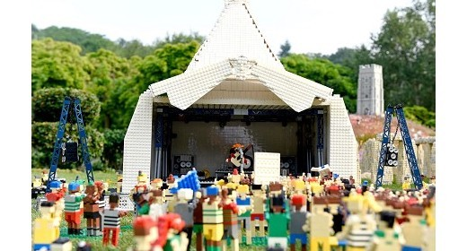 THE LEGOLAND® WINDSOR RESORT PUTS GLASTONBURY HEADLINERS CENTRE STAGE IN MINILAND