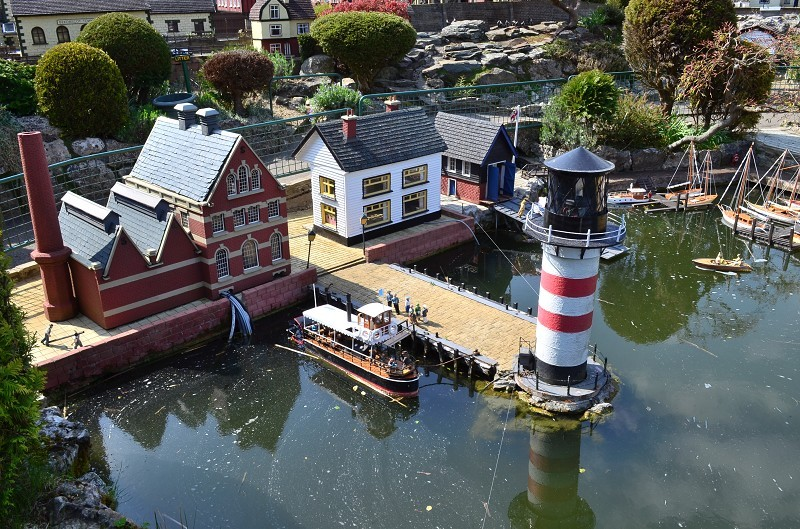 Established in l, Bekonscot Model Village depicts rural England in the l's. Sit-on railway*, remote controlled boats*, kiddie rides*, pirate water feature*. *small extra charge. Tea room, gift shop, playground, picnic areas, limited free parking.